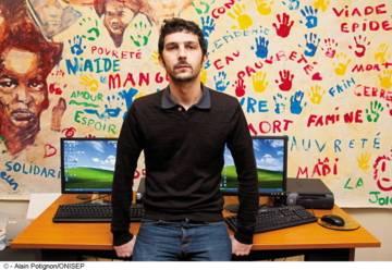 Portrait d'un développeur rural humanitaire à Action contre la Faim (ACF)
