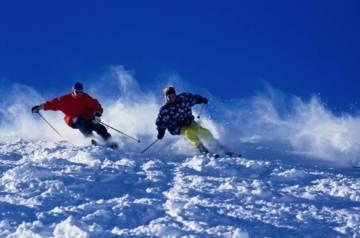 2 skieurs