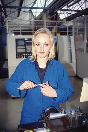 Technicienne en mécanique